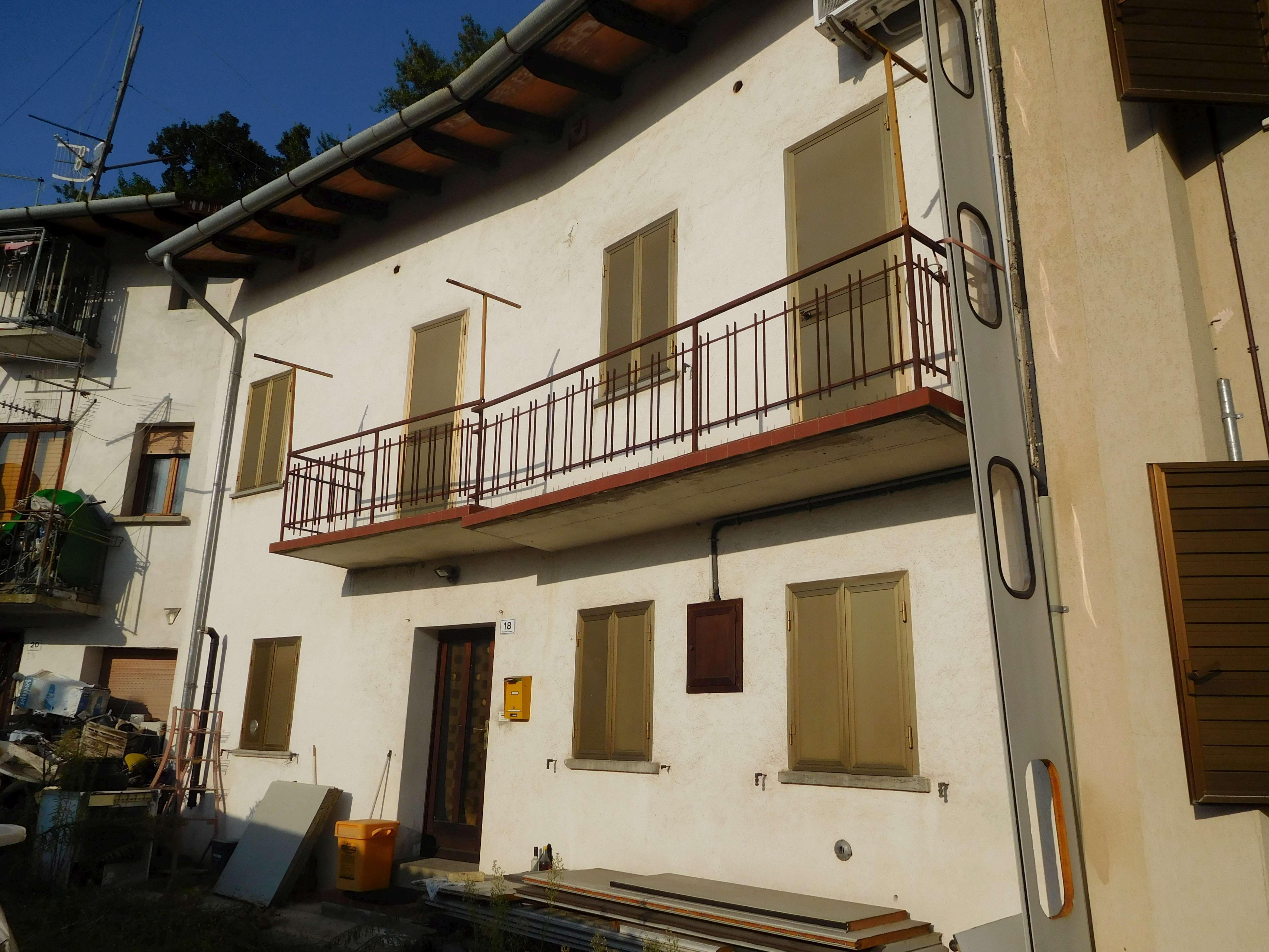 Abitazioni e Alloggi Tipici dei luoghi all'asta a Udine - foto 0